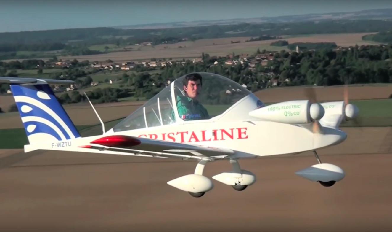 Le plus petit avion du monde p se moins de 100 kg vide - Quel est le plus grand porte avion du monde ...