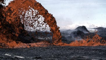 volcan lave magma
