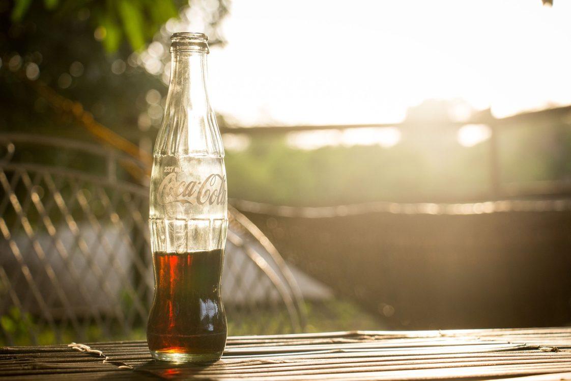 Coca-Cola: la formule secrète (Reportage) Bottle-1869990_1280-1122x748