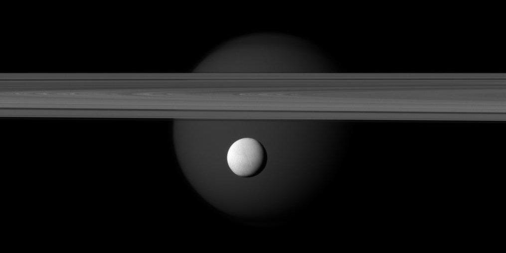 encelade saturne titan
