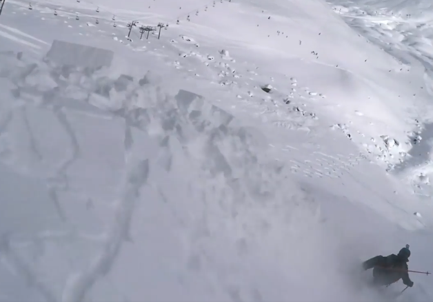 avalanche off-piste skiing