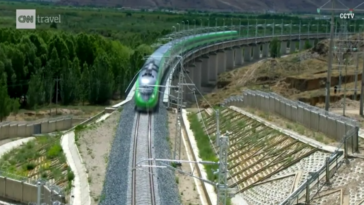 train Tibet 2