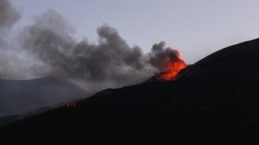 volcan Etna eruption